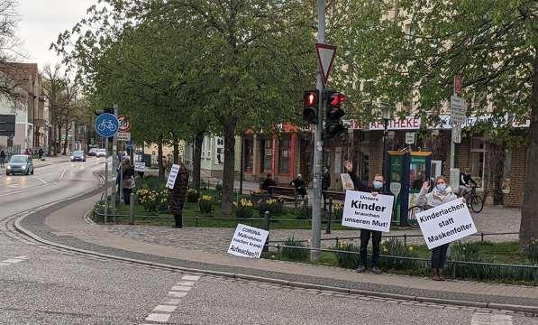 30. April 2021 Schilderaktion in Birkenwerder
