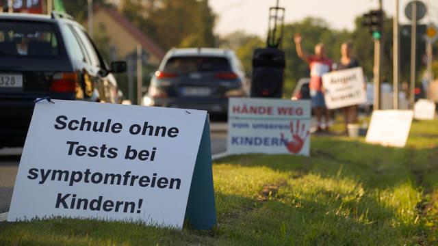 """03. September 2021 in Nassenheide: Wir """"runden"""" - die 30. Schilderaktion"""